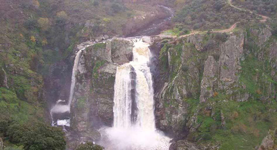 Cascada del Pozo de los Humos. Masueco - Perena de la Ribera