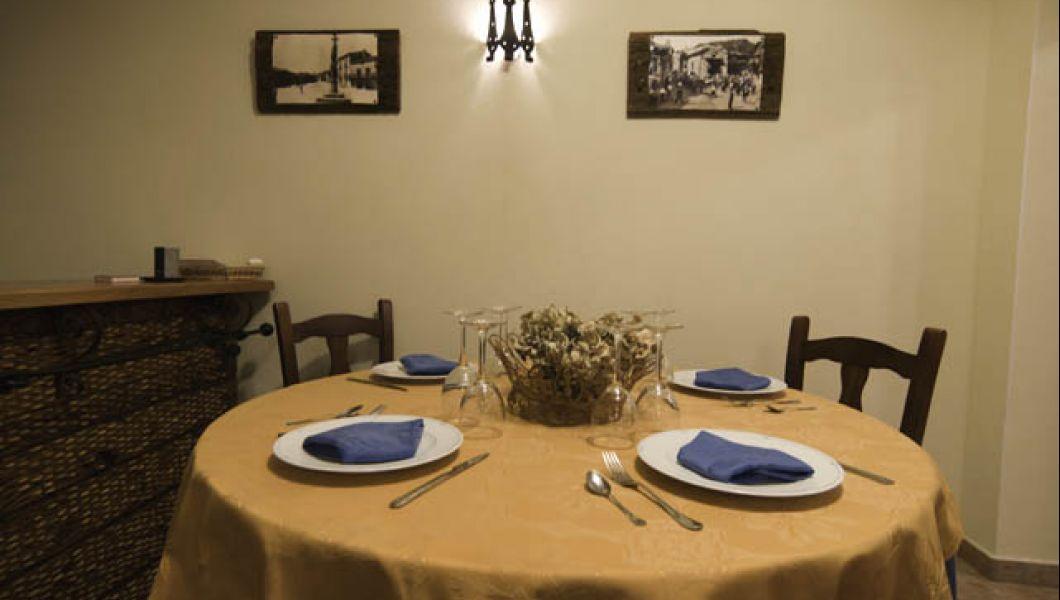 1-restaurante-mesa-redonda.jpg