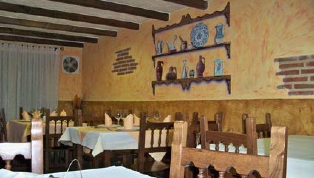 zurich-restaurante-mesas2.jpg