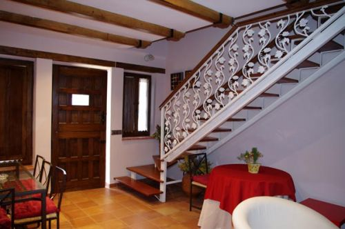 257-4-05-Salon-Almendro-escalera.jpg